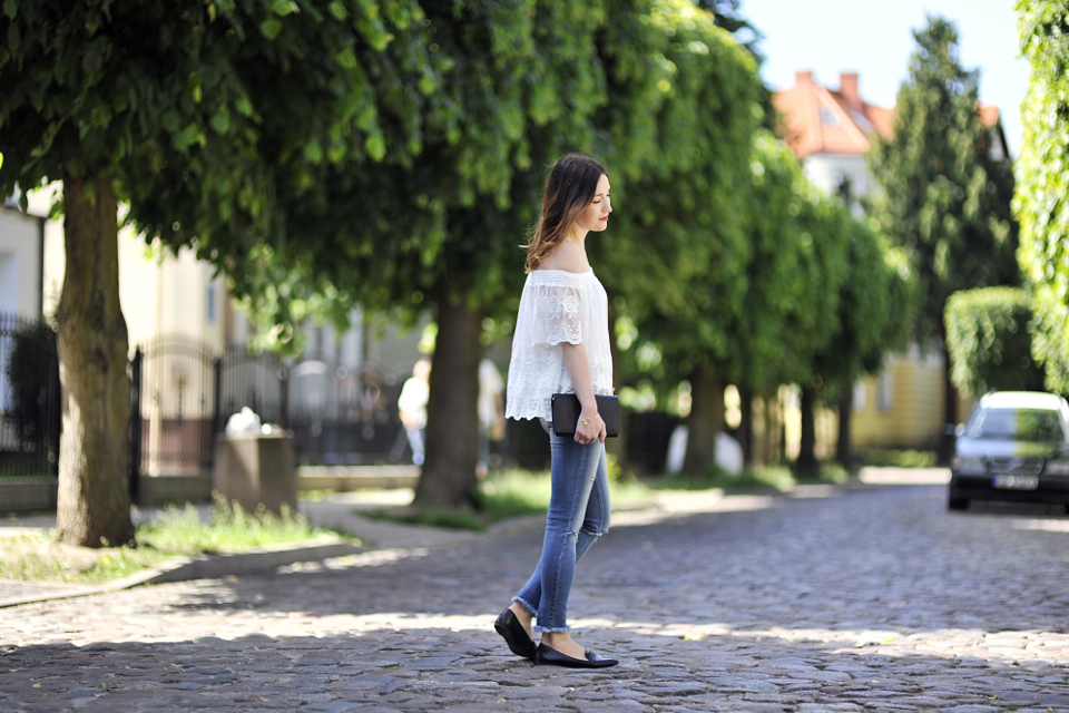 off-the-shoulder-blouse-street-fashion