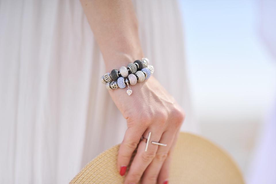 apart-beads-bransoletki-z-koralikami