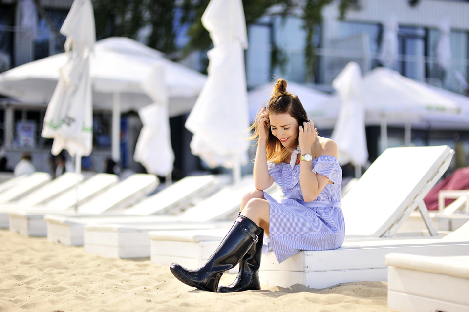off-the-shoulder-dress-and-hunter-shoes-street-style