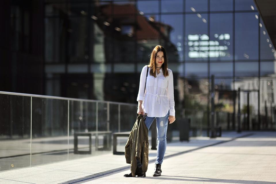 jak-nosić-jeansy