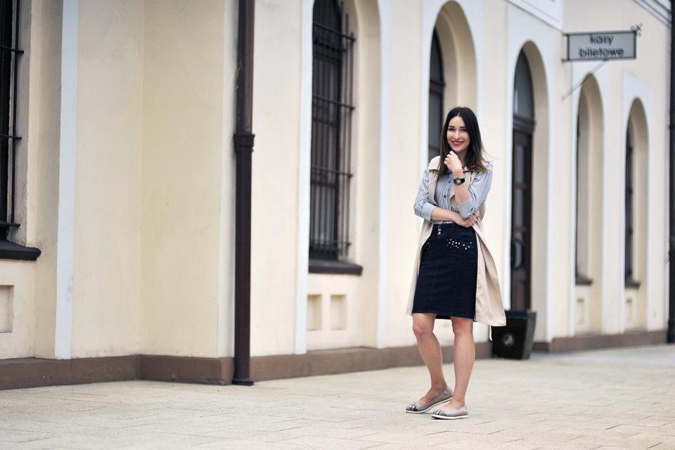 ołowkowa-jeansowa-spódnica-stylizacja