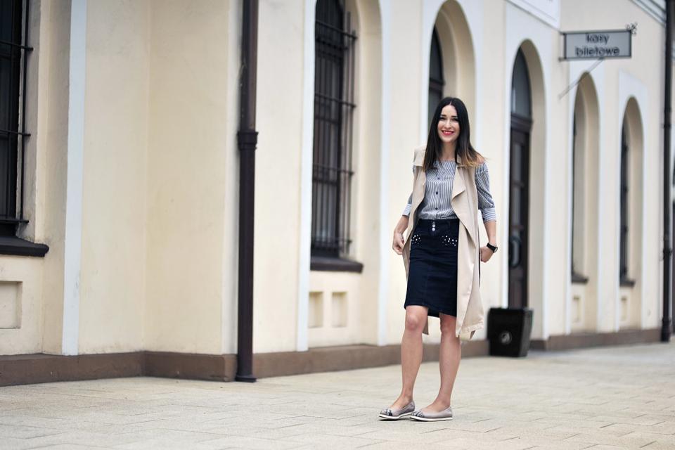 jeansowa-spódnica-stylizacja