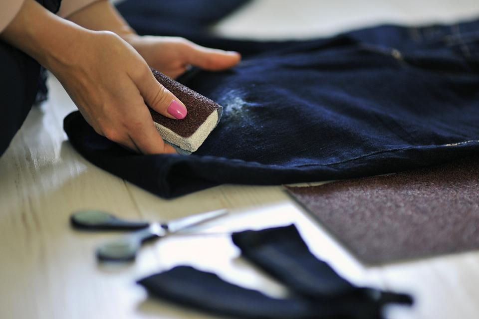 jak-przecierać-jeansy