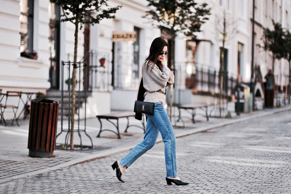 vetements inspired jeans street style