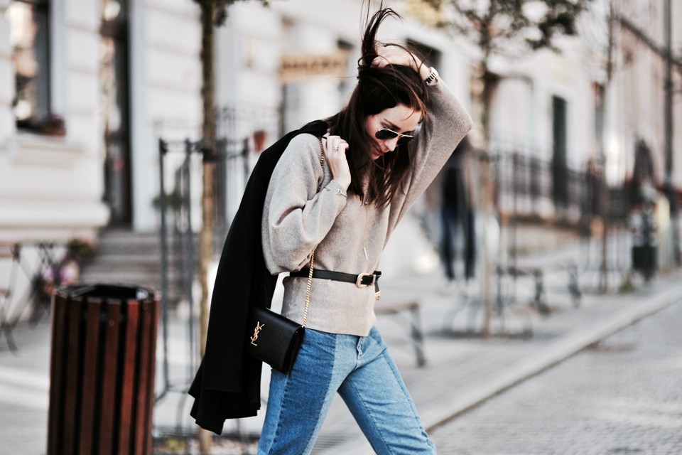 what-to-wear-with-vetements-jeans