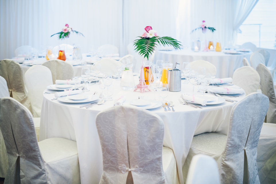 how-to-create-parisian-theme-at-wedding