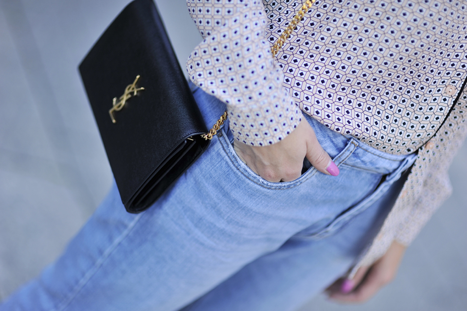 how-to-wear-pajama-blouse-as-daywear-and-look-chic