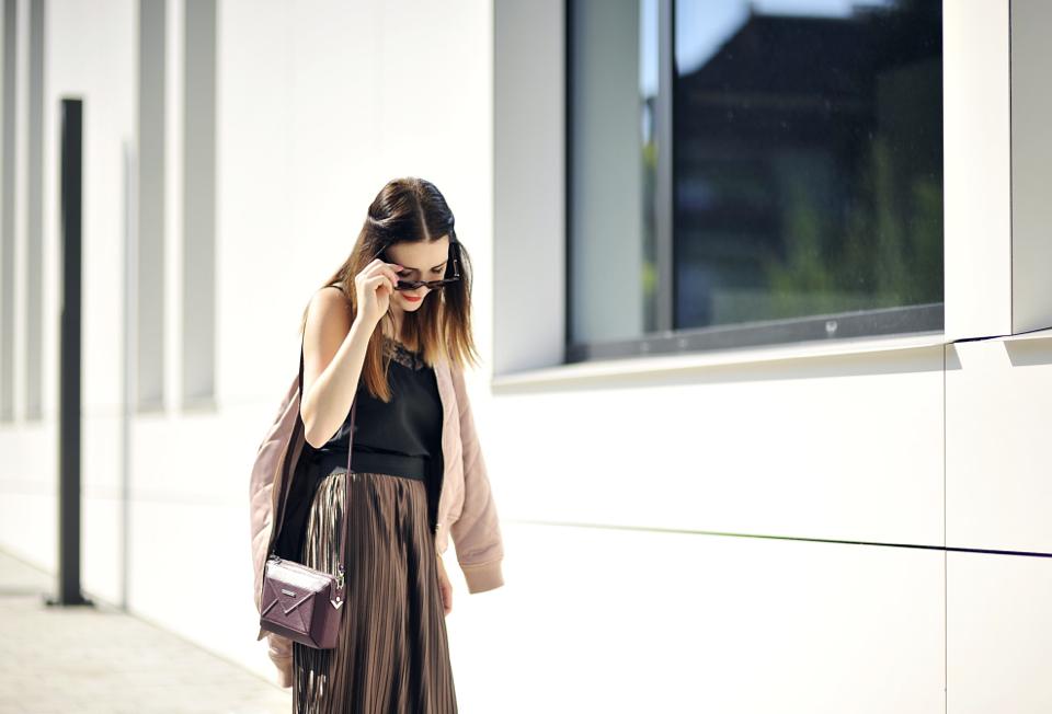 metallic-skirt-street-fashion