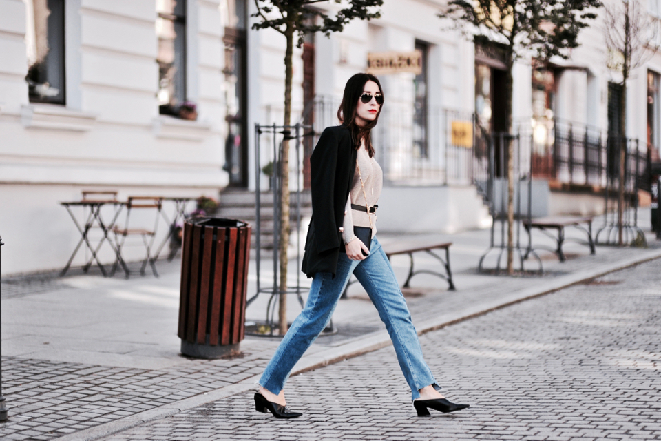 vetements-inspired-jeans-outfit