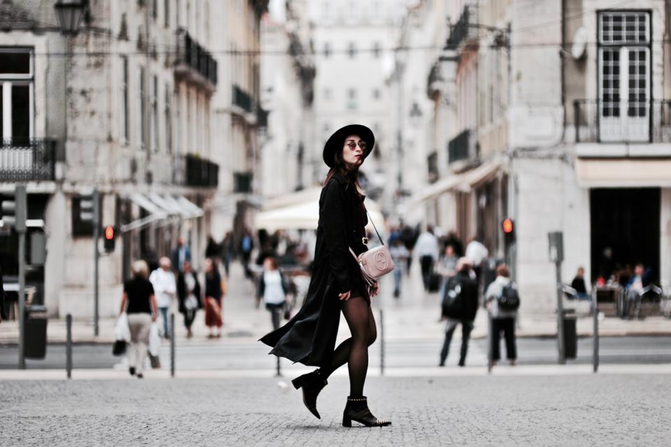 velvet-dress-street-style-outfit