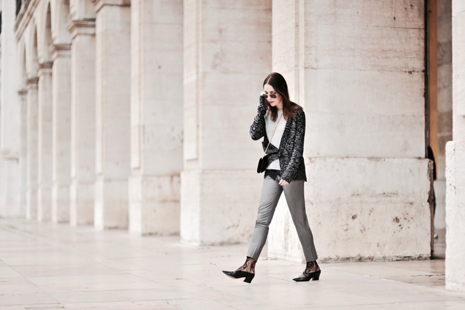 grey-pants-elegant-outfits