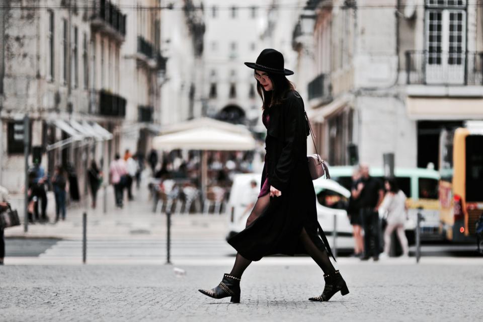 velvet-dress-street-fashion