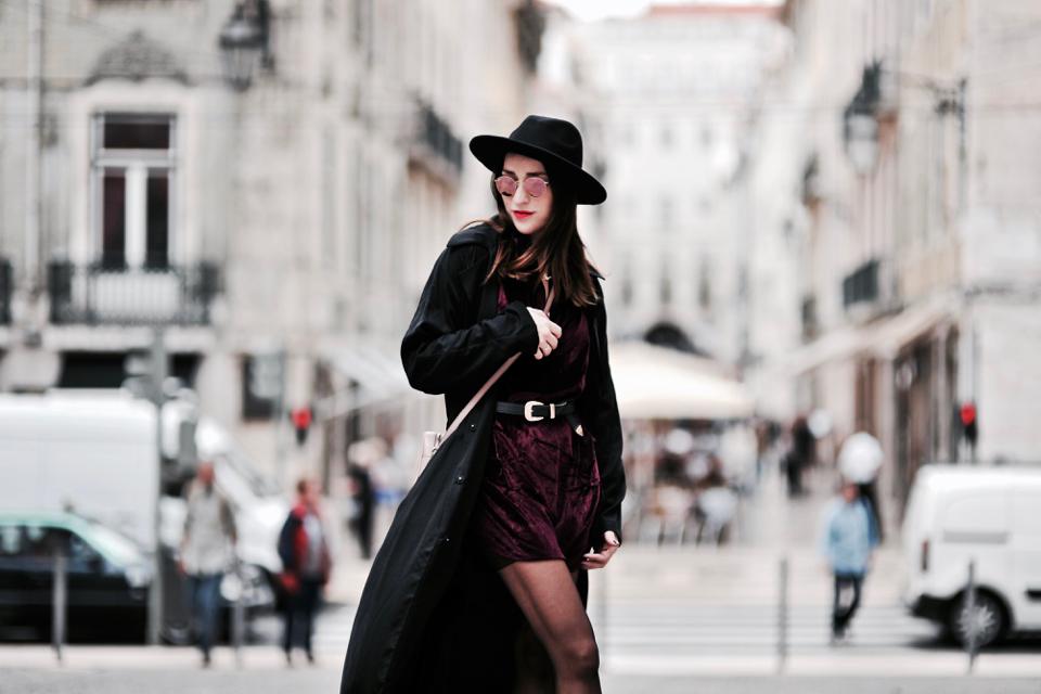 how-to-wear-velvet-dress