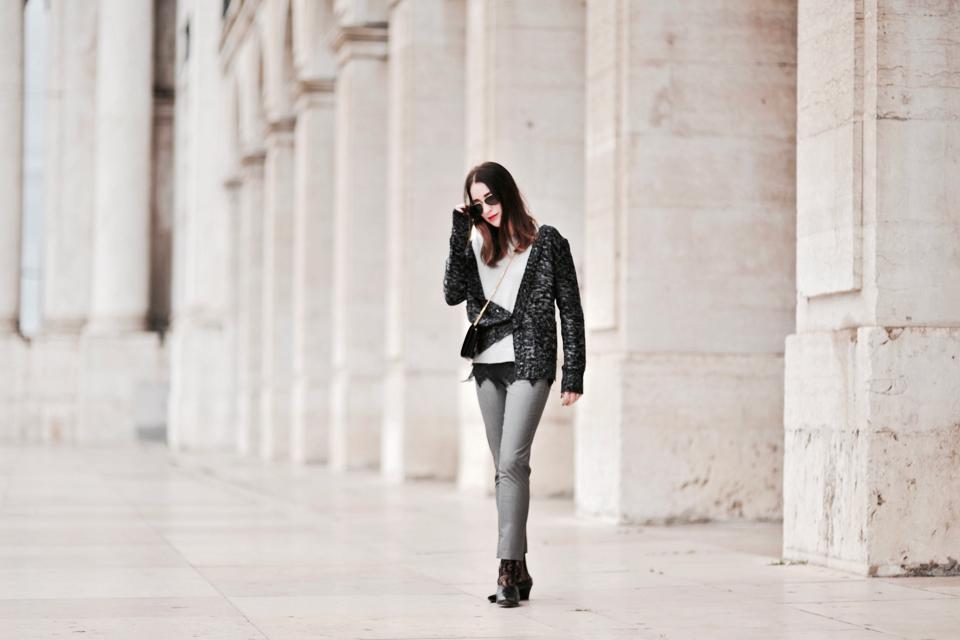 grey-pants-street-fashion