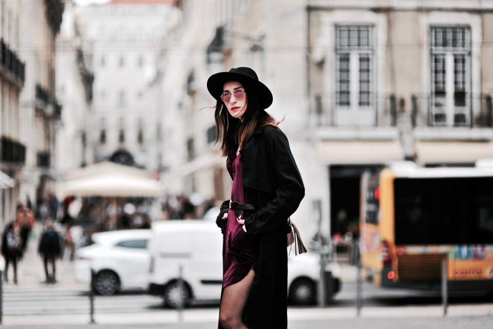 velvet-dress-outfit-street-fashion
