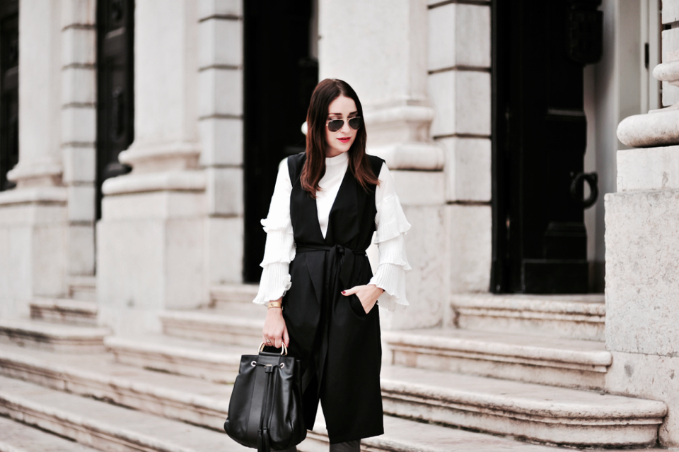 white-blouse-with-flared-sleeves-how-to-wear