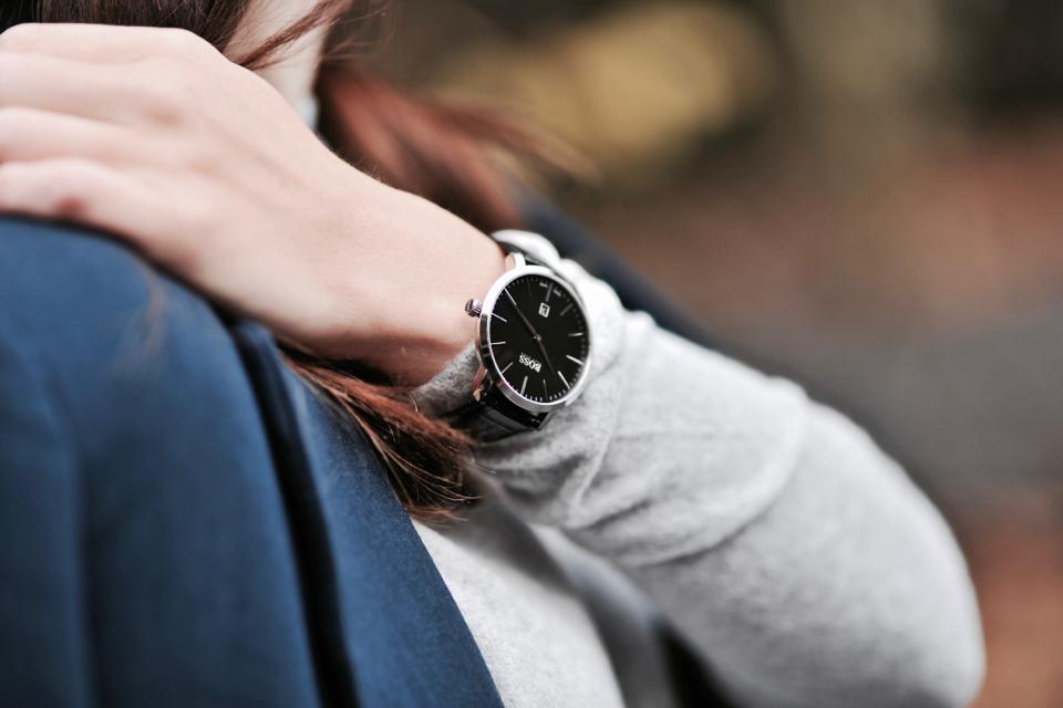 black-hugo-boss-watch
