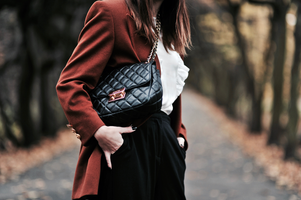 ruffled-shirt-outfit-ideas