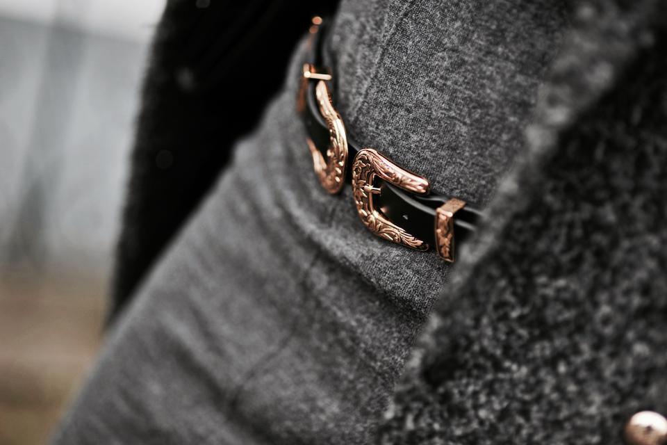 b-low-the-belt-stylizacja