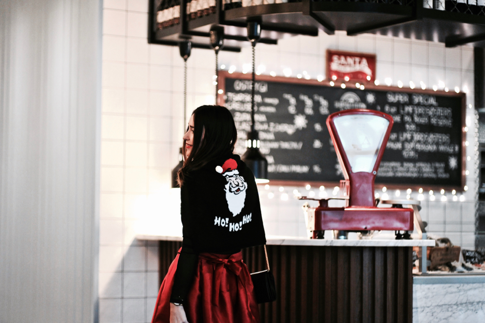 czerwona-rozkloszowana-spódnica-stylizacje