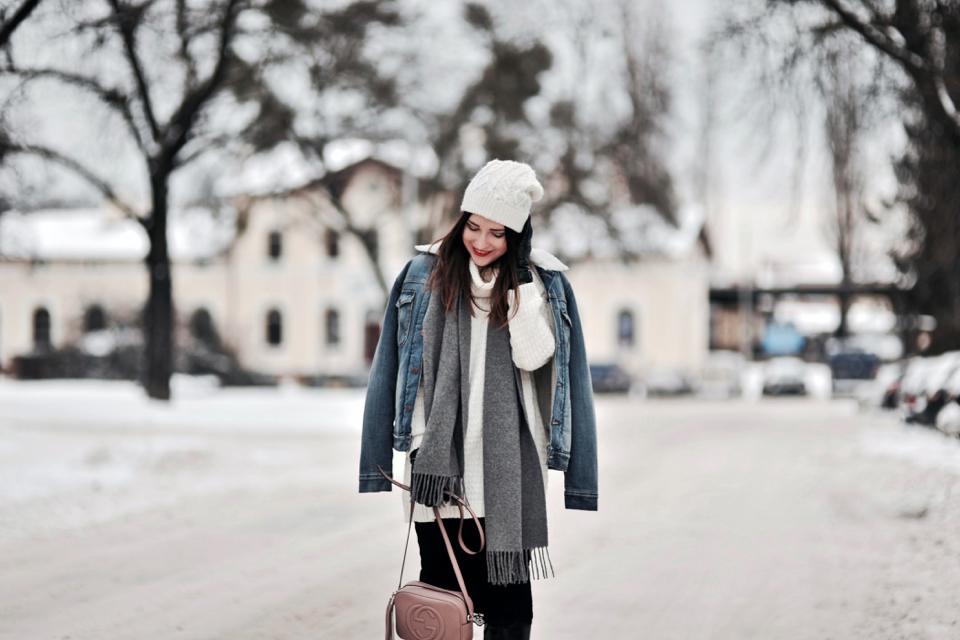 jeansowa kurtka z kożuchem stylizacja