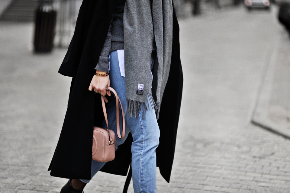 acne-scarf-street-style