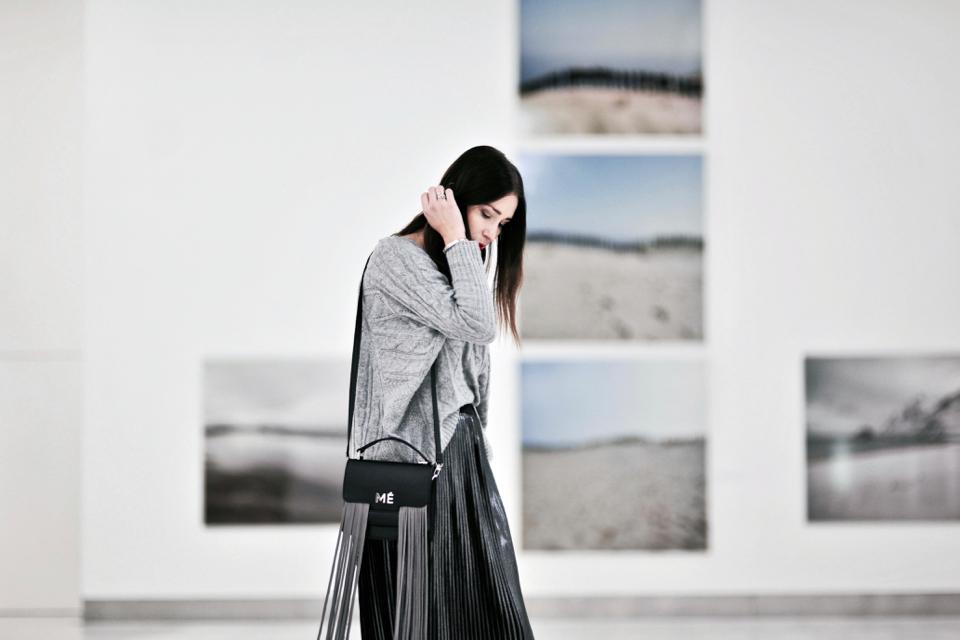 plisowana-metaliczna-spódnica-stylizacja