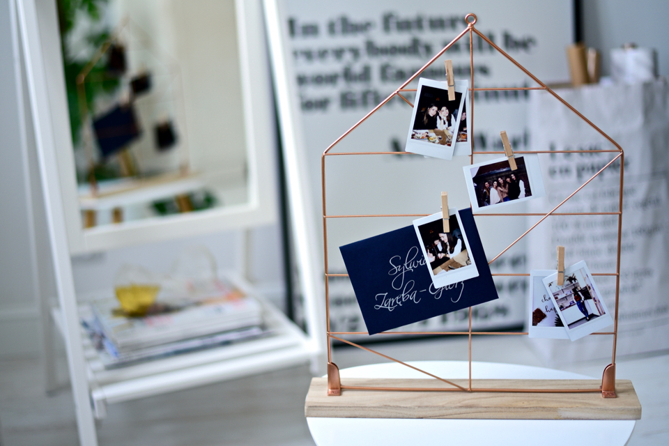 copper-accessories-in-home-office