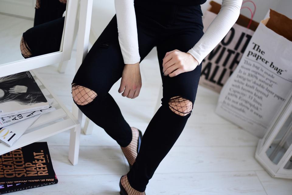 kabaretki-pod-spodnie-z-dziurami-stylizacja