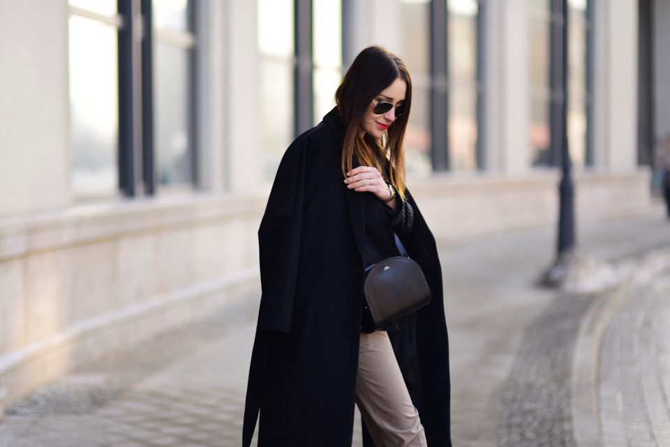 apc-paris-bag-outfit