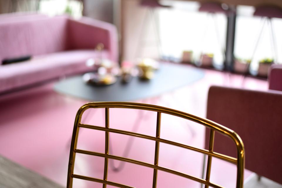 pink-interior-caffetteria-gdynia