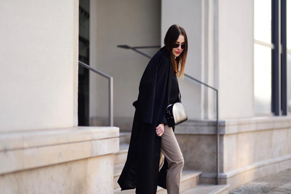 apc-torebka-bag-czarny-oversizowy-płaszcz-stylizacja