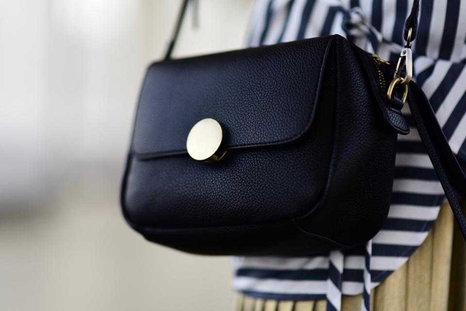 czarna-torebka-c&a-pomysł-na-stylizację