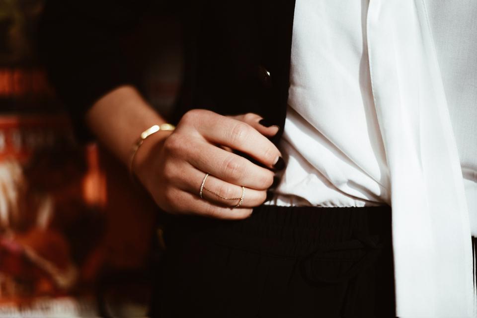 pierścionek-z-łańcuszkiem-apart