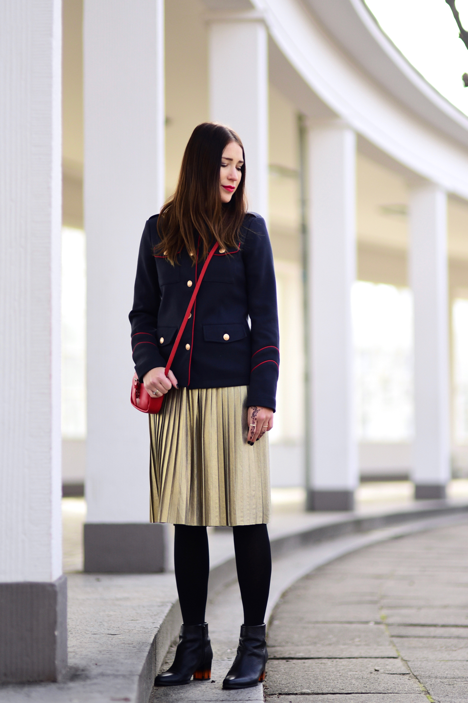 midi-skirt-styling-tips