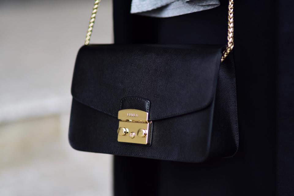 furla-metropolis-bag-outfit