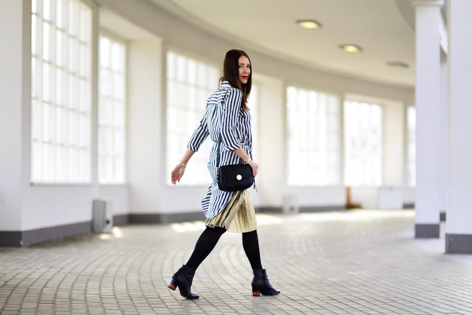 trend-złota-plisowana-spódnica-stylizacja
