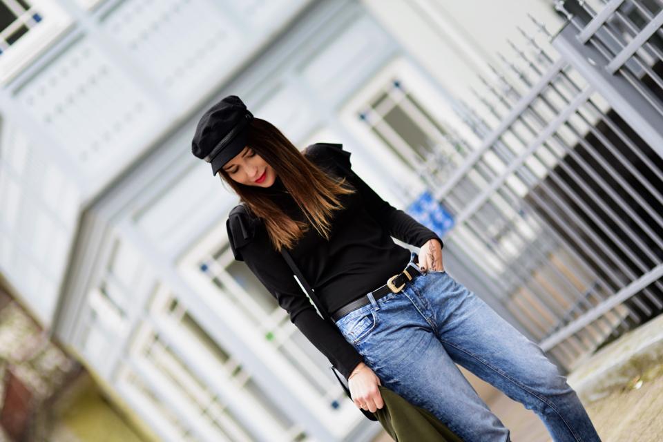 bluzka-z-falbanami-stylizacja-jak-nosić