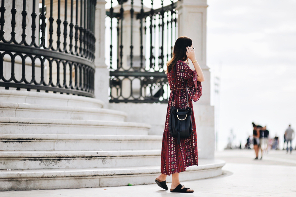 birkenstock-and-dress-street-style-outfit