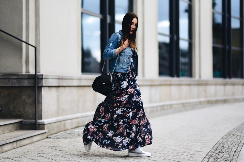 long-floral-dress-street-fashion