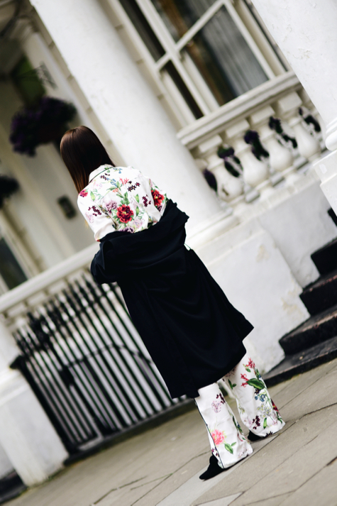 trend-na-piżamowe-spodnie-jak-nosić
