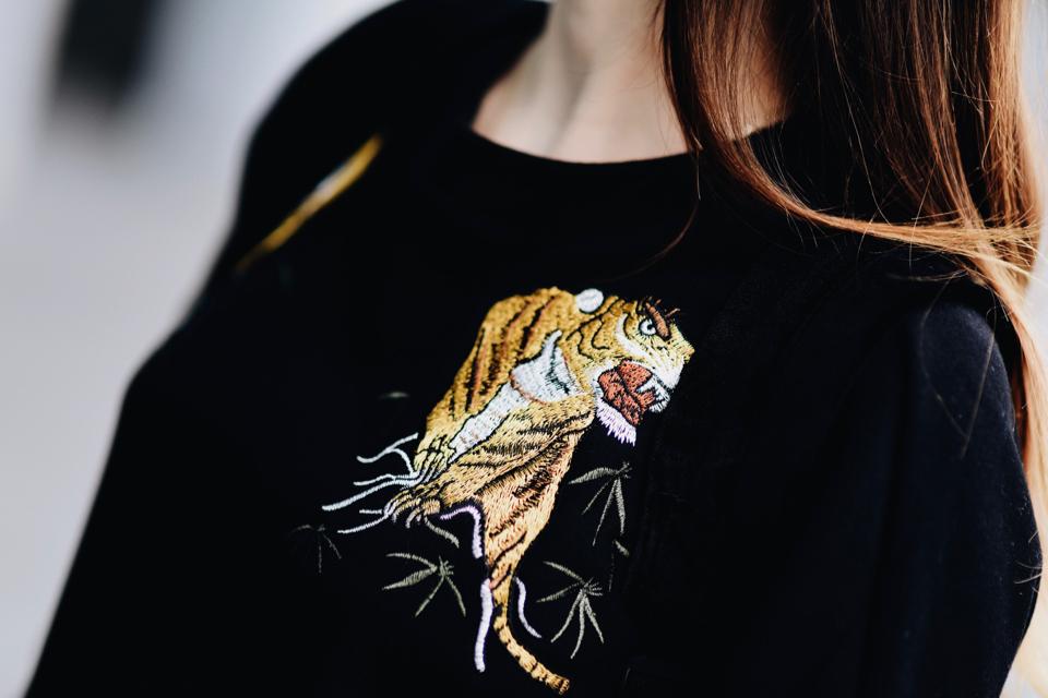 bluza-z-tygrysem-stylizacja
