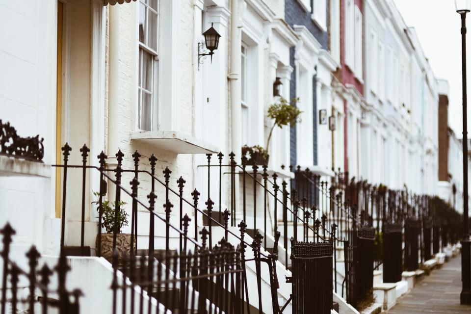londyn-notting-hill-pastelowe-kolorowe-domki
