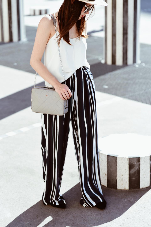 szerokie-spodnie-z-paskami-stylizacja