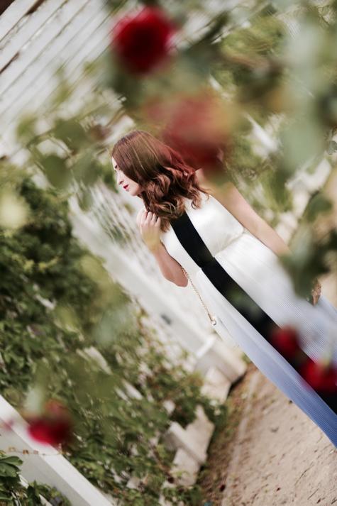 w-co-się-ubrać-na-wesele-jako-osoba-towarzysząca