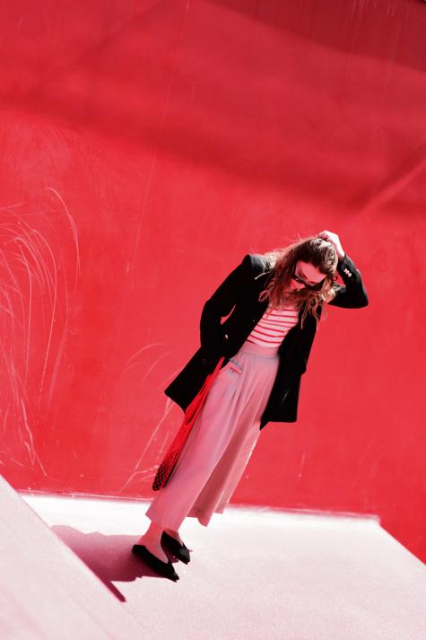 codzienna-stylizacja-z-elegancką-czarną-damską-marynarką