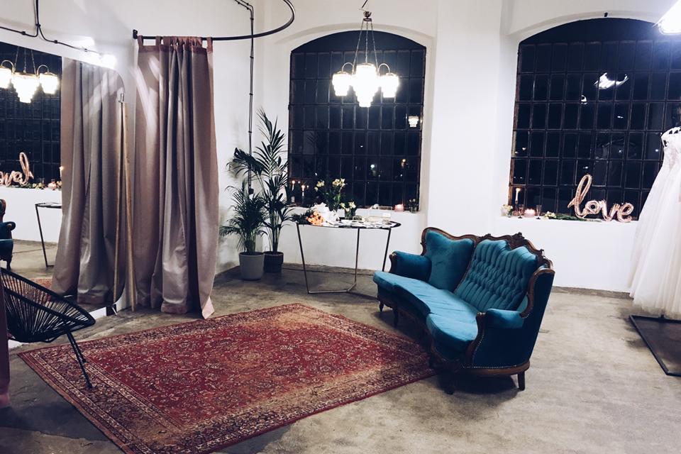 wnętrze-z-krzesłem-ubberup