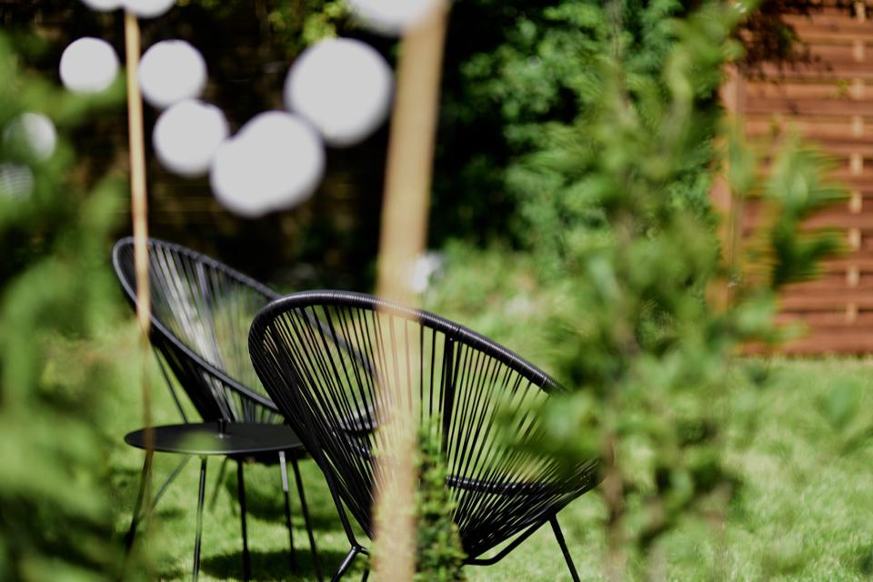 acapulco-chair-garden-home-decor-inspiration