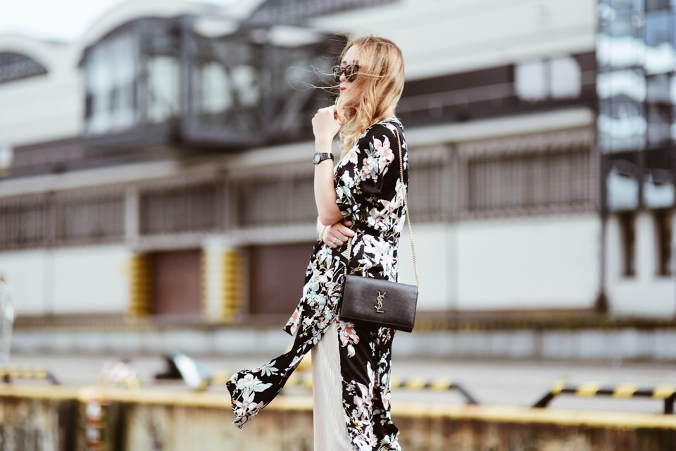 how-to-wear-floral-kimono-outfit-idea