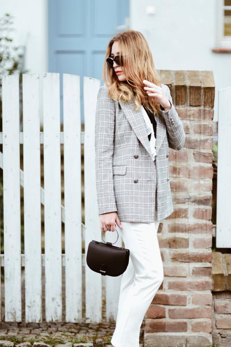 plaid-jacket-street-style-street-fashion-outfit-idea